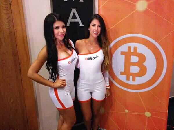 Bitcoin csajok kép kriptovaluta mintás logó ruhában nők